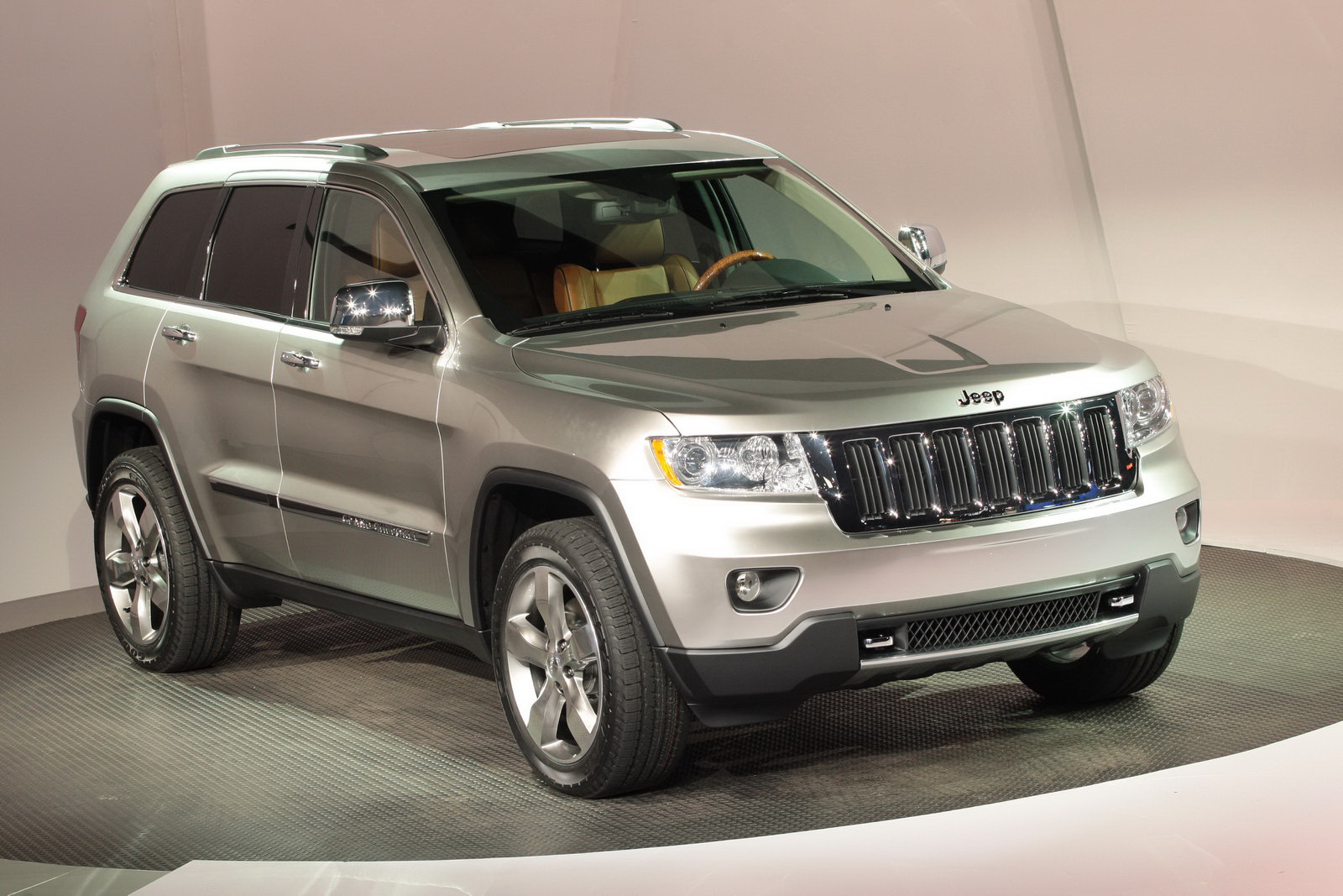 2011 Jeep Grand Cherokee Wallpaper For Android