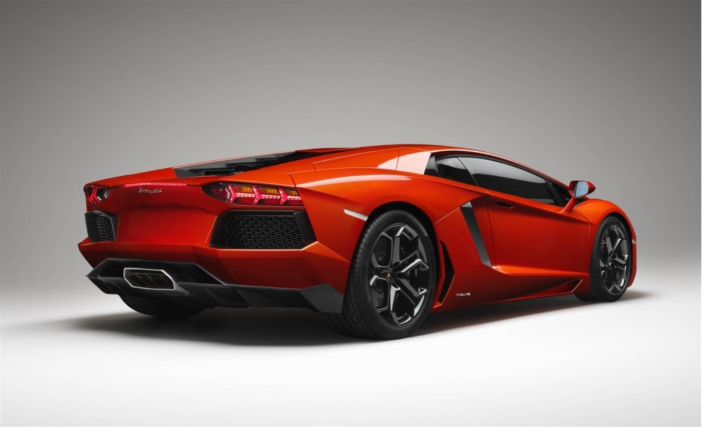 Lamborghini Aventador LP 700-4 Wallpaper HD For Mac