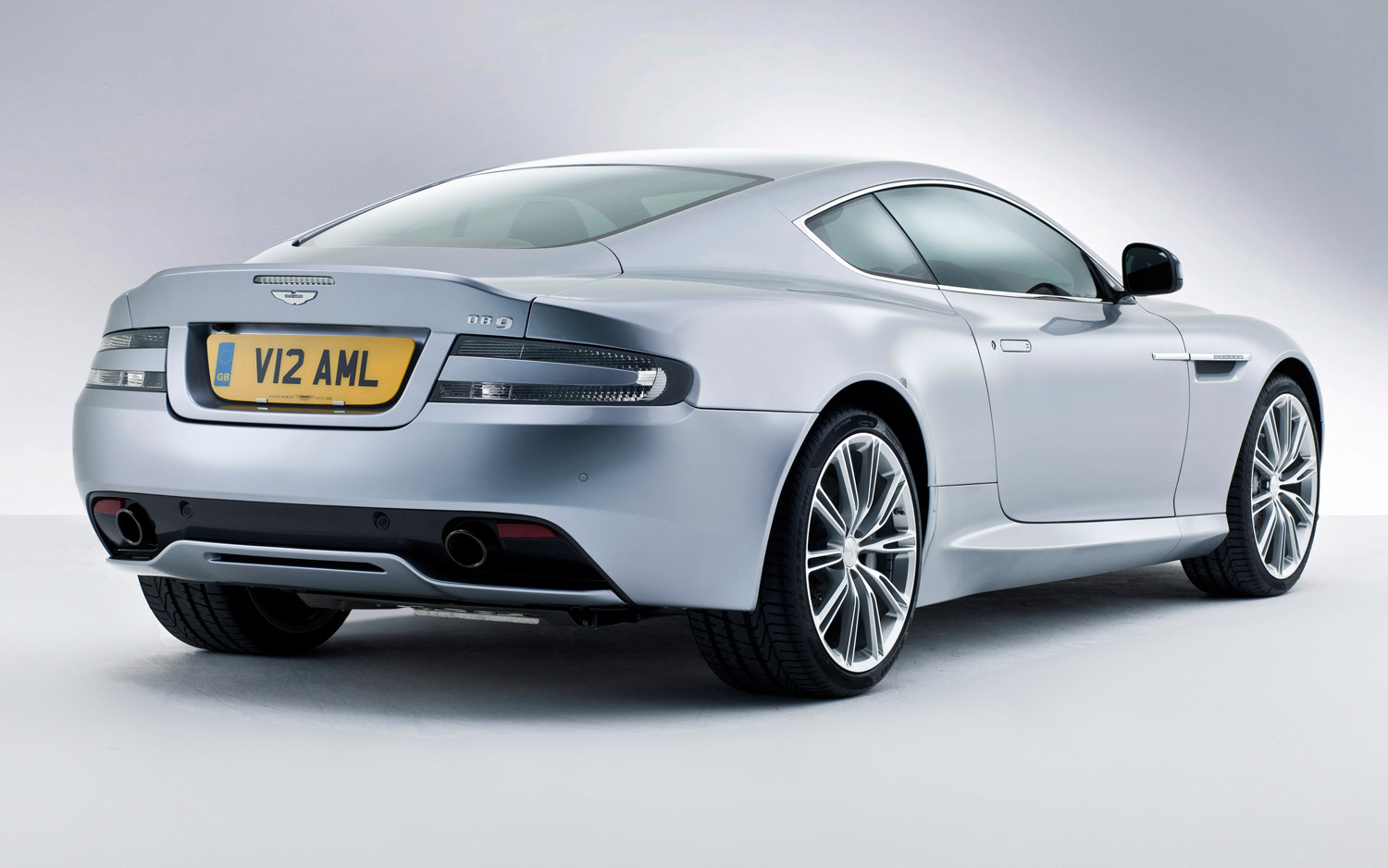 2013 Aston Martin DB9 Coupe Wallpaper Gallery