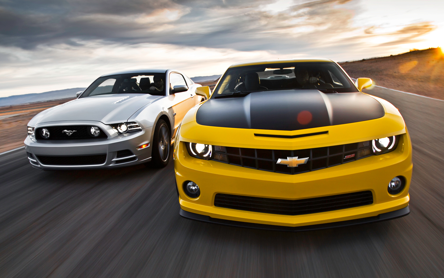 2013 Chevrolet Camaro vs 2013 Ford Mustang GT5 Background Images