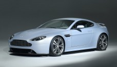 Aston Martin V12 Vantage Roadster High Resolution Wallpaper Free