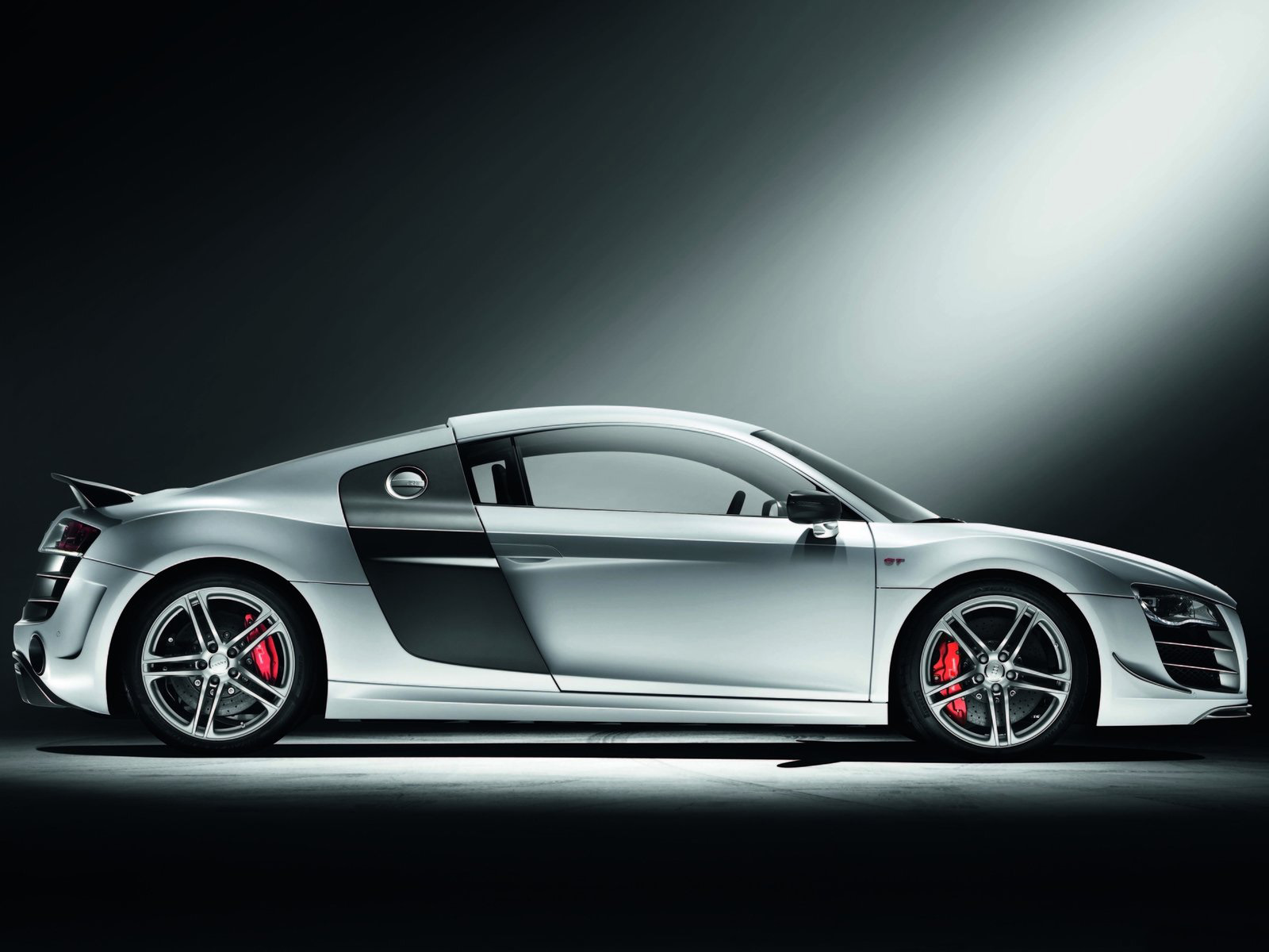 Audi R8 Wallpaper Download HD Wallpaper