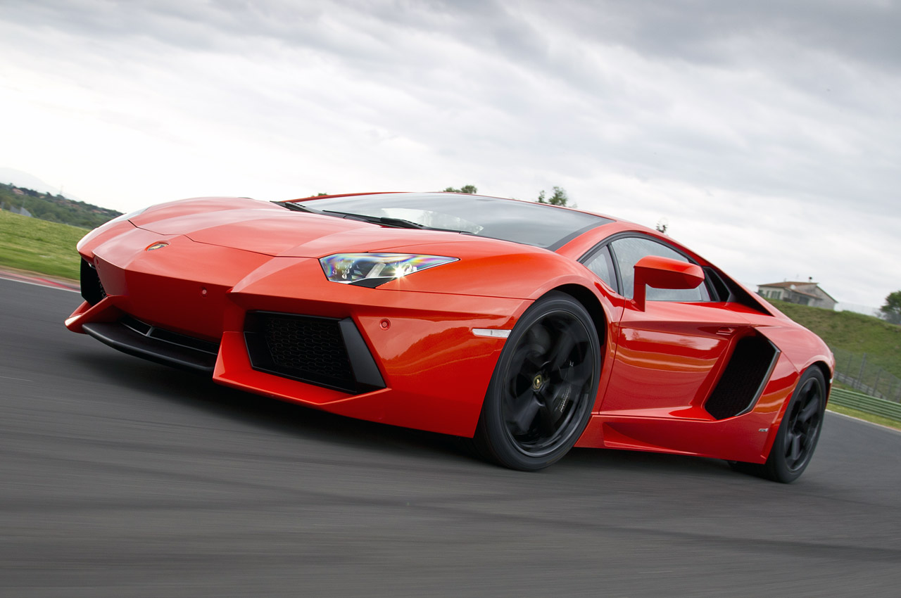 Lamborghini Aventador Roadster Desktop Wallpaper