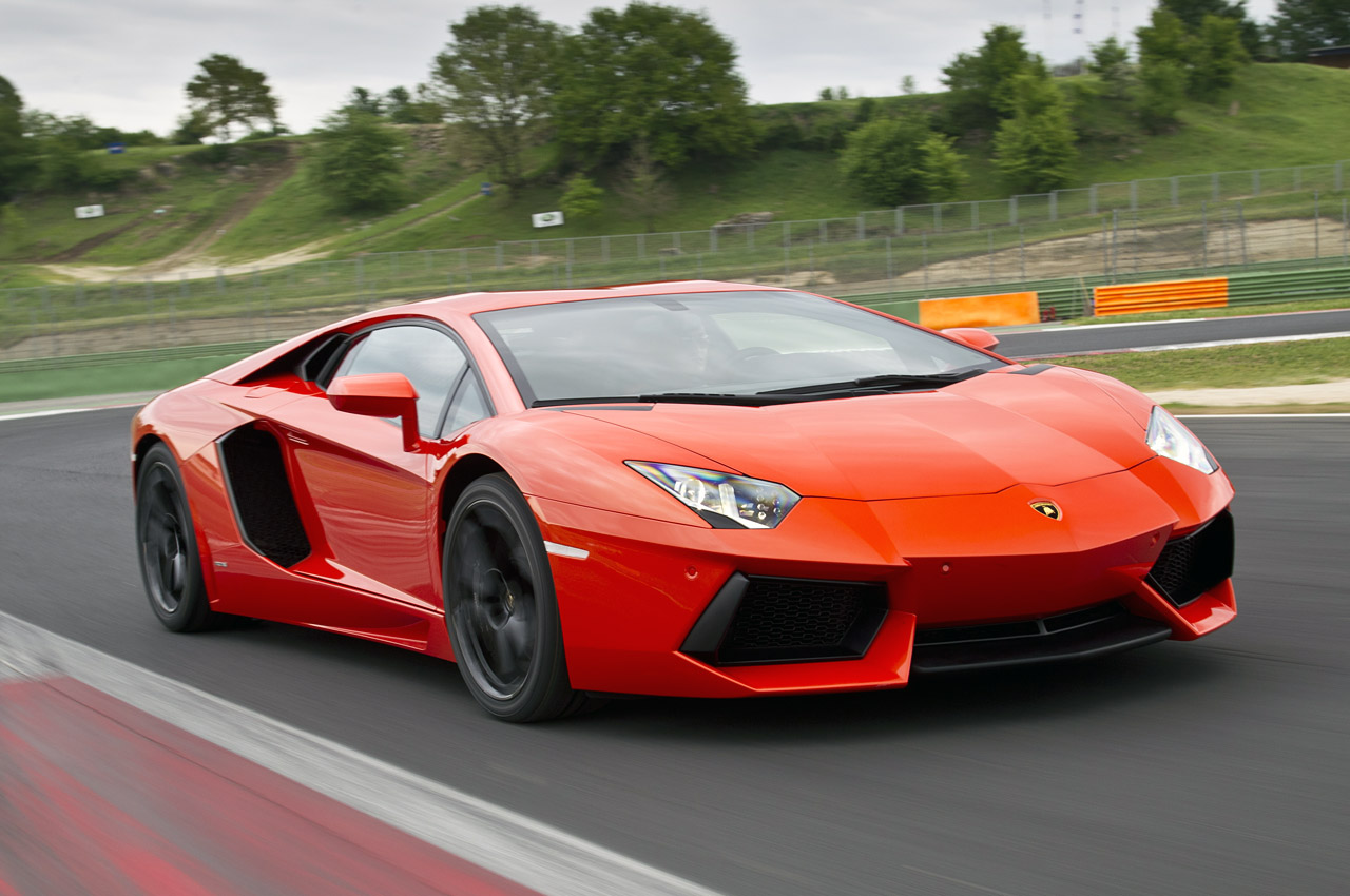 Lamborghini Aventador Roadster Wallpaper Download HD