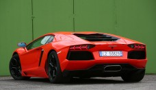 Lamborghini Aventador Roadster Wallpaper HD Free