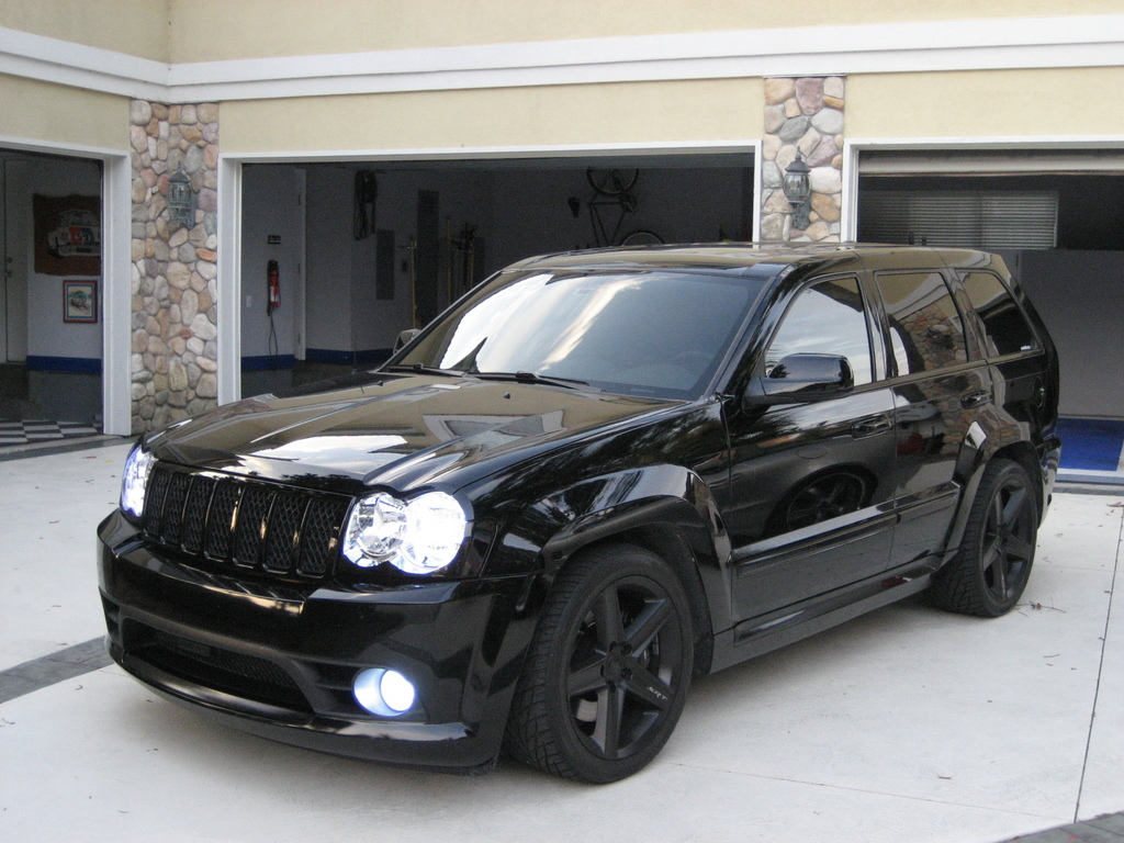 Jeep SRT8 Color Negro Wallpaper For Desktop