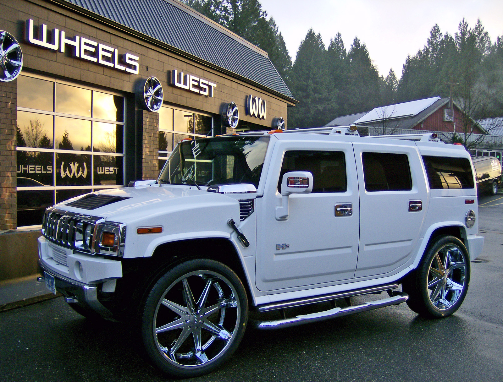 Hummer H2 White Free Wallpaper Download