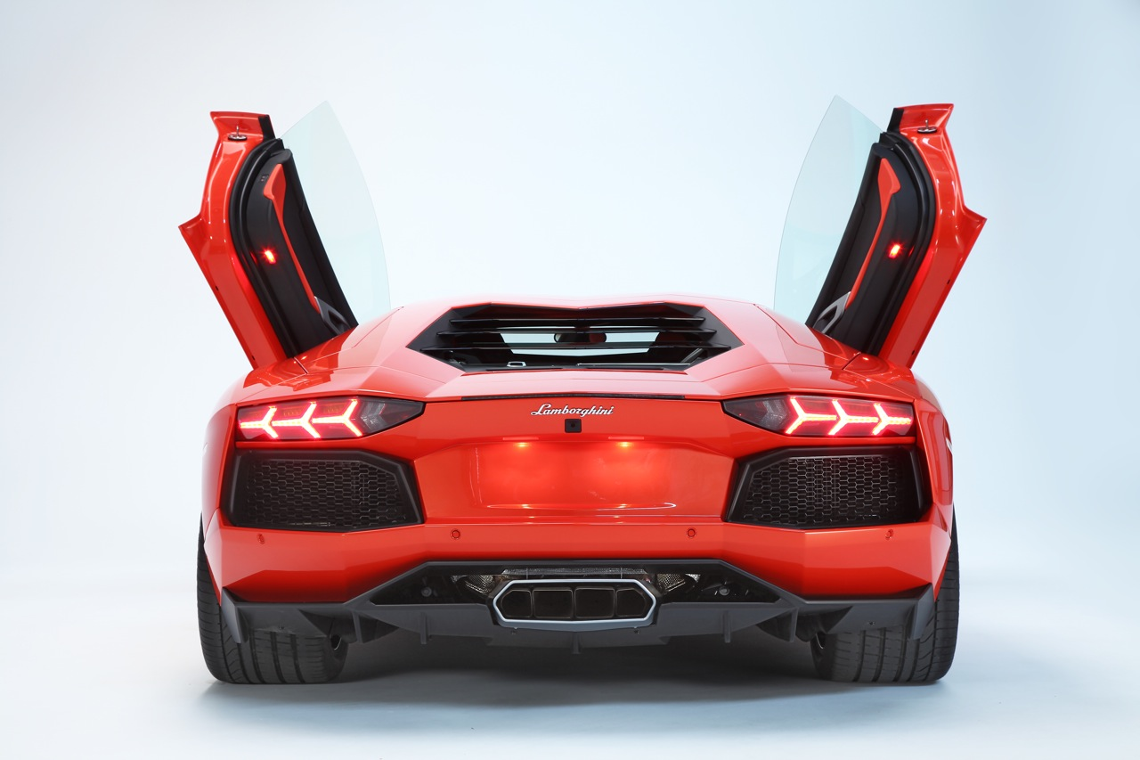 Lamborghini Aventador LP 700-4 Wallpaper HD Free