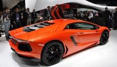Lamborghini Aventador Desktop Wallpaper HD