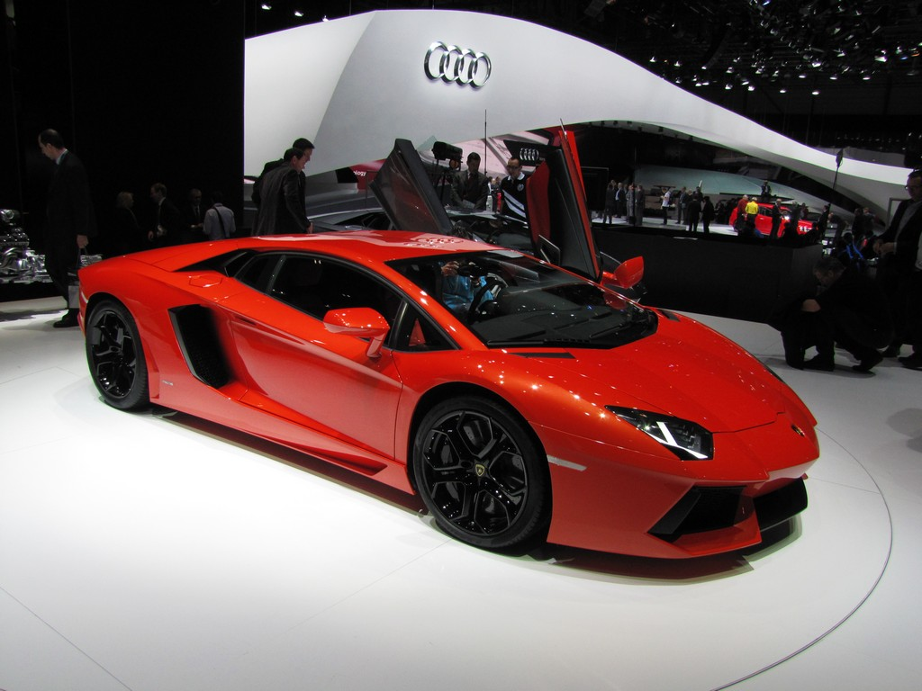 Lamborghini Aventador Background For Ipad