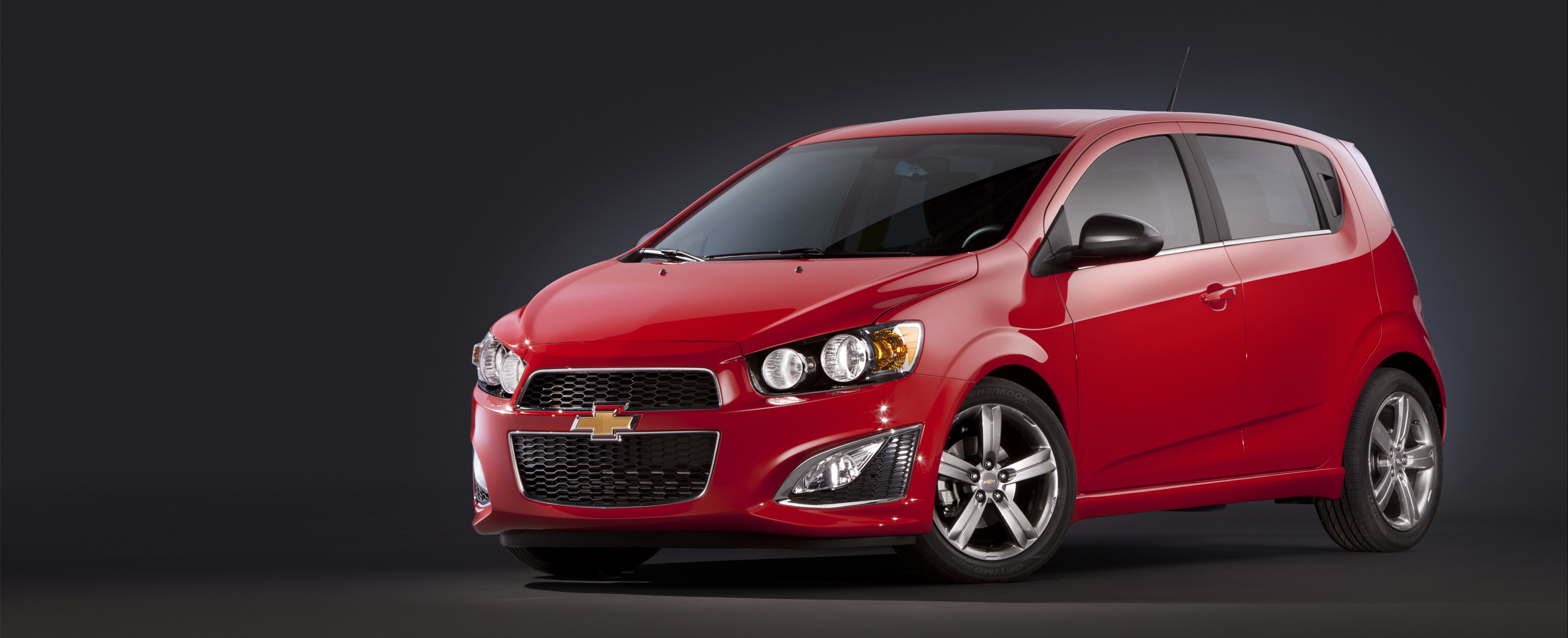 Chevrolet Sonic and Ford Fiesta Winning High Resolution Wallpaper Free