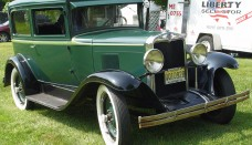 1929 Chevrolet Green Front Angle Wallpaper For Ipad