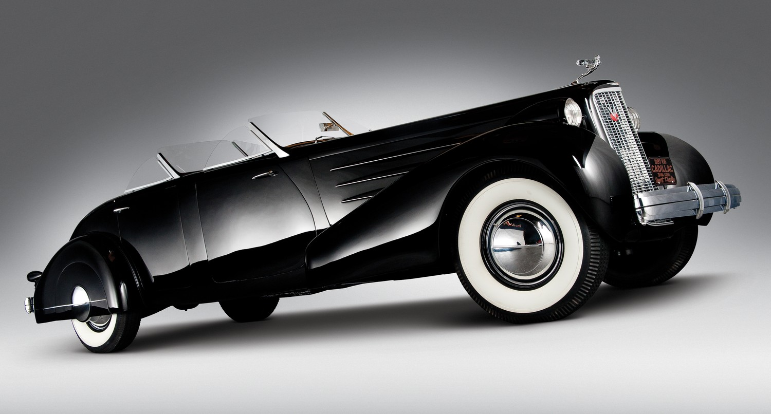 1937 Cadillac Sixteen Phaeton Pair of  Cadillac V-16s Wallpapers Background