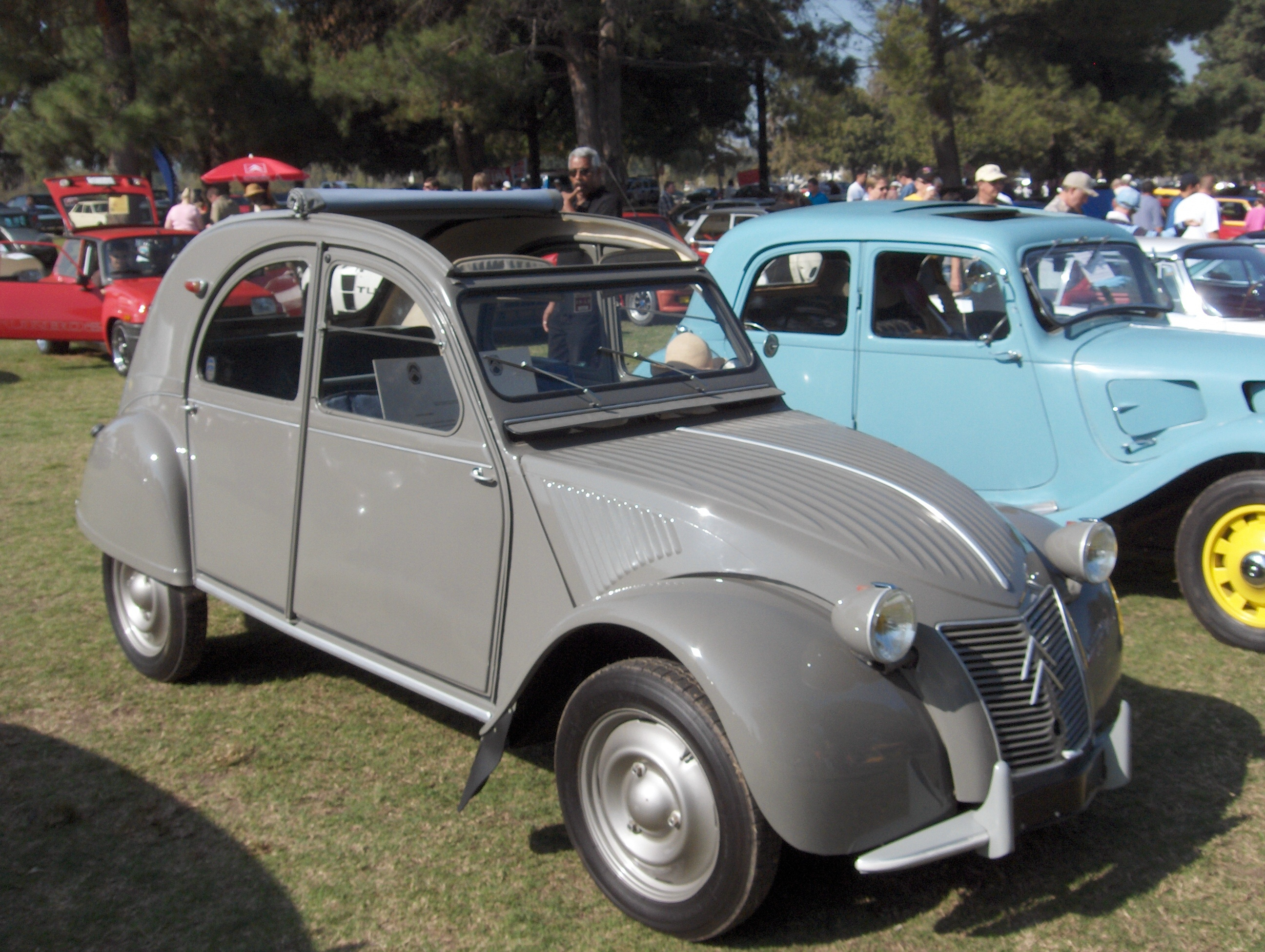 1955 Citroen 2CV Wallpaper For Desktop
