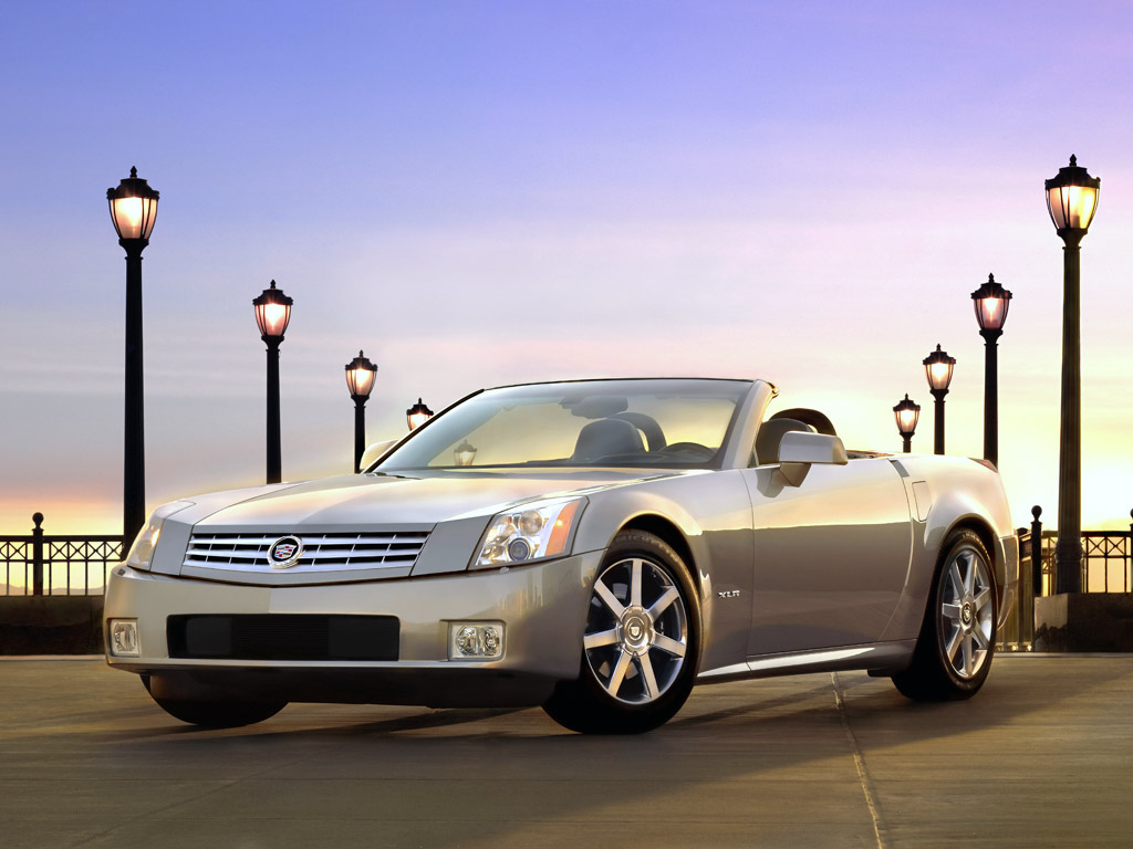 2004 Cadillac XLR Is A Ttwo Seat High Performance Luxury Roadster Wallpaper For Desktop