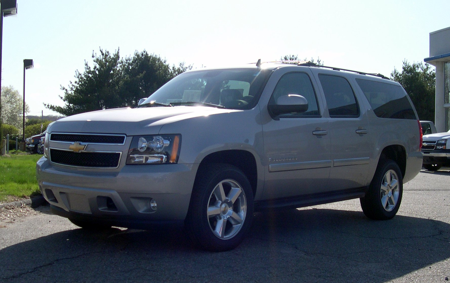2007 Chevrolet Suburban Wallpaper For Android
