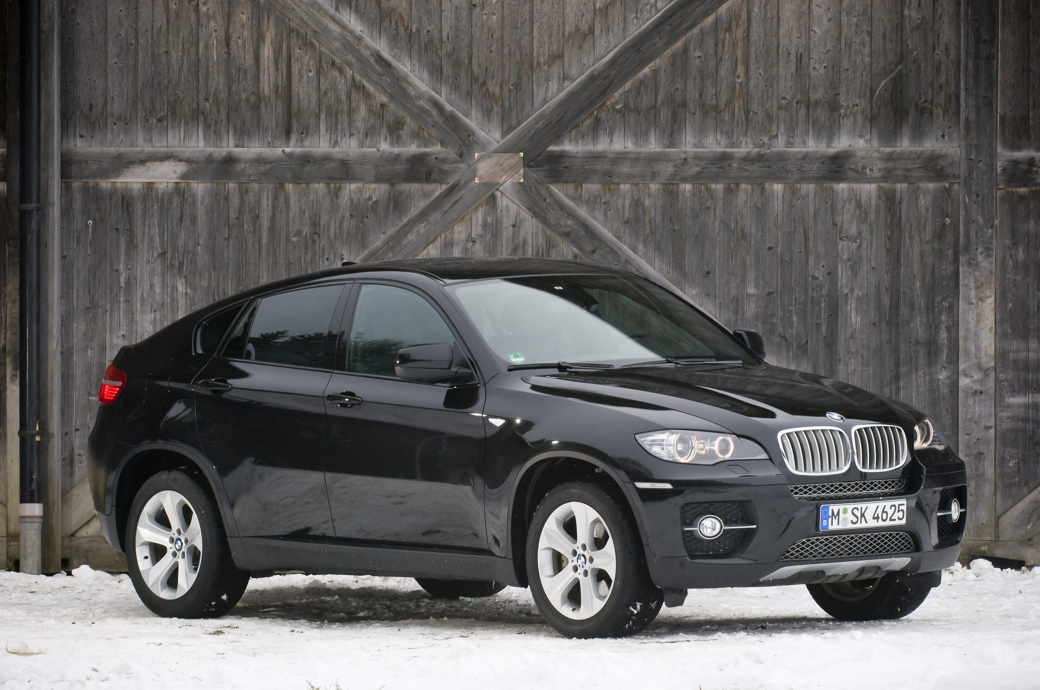 BMW X6 Is That It Only Sits Up To Four Passengers Wallpaper For Android Wallpaper