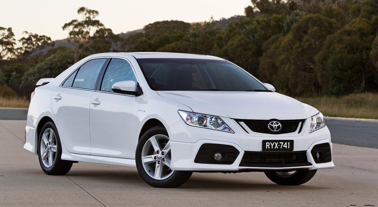 2012 Toyota Aurion On Sale In Wallpapers HD