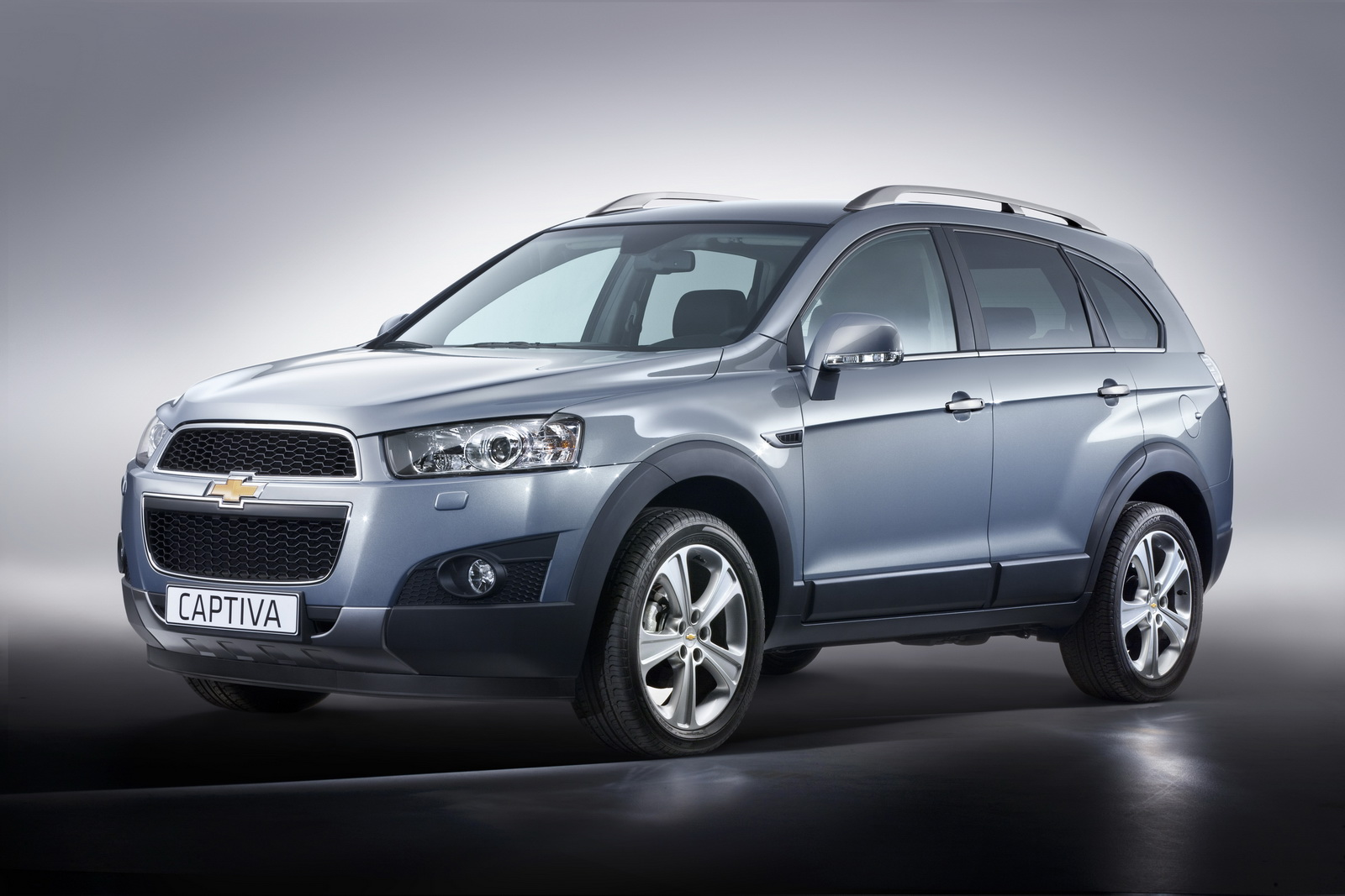 Chevrolet Captiva 2012 Desktop Backgrounds