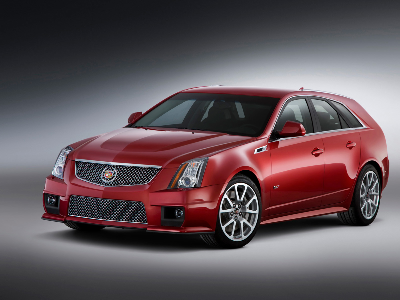2013 Cadillac CTS V Sport Wagon Front Angle Picture Size Wallpapers HD For Iphone