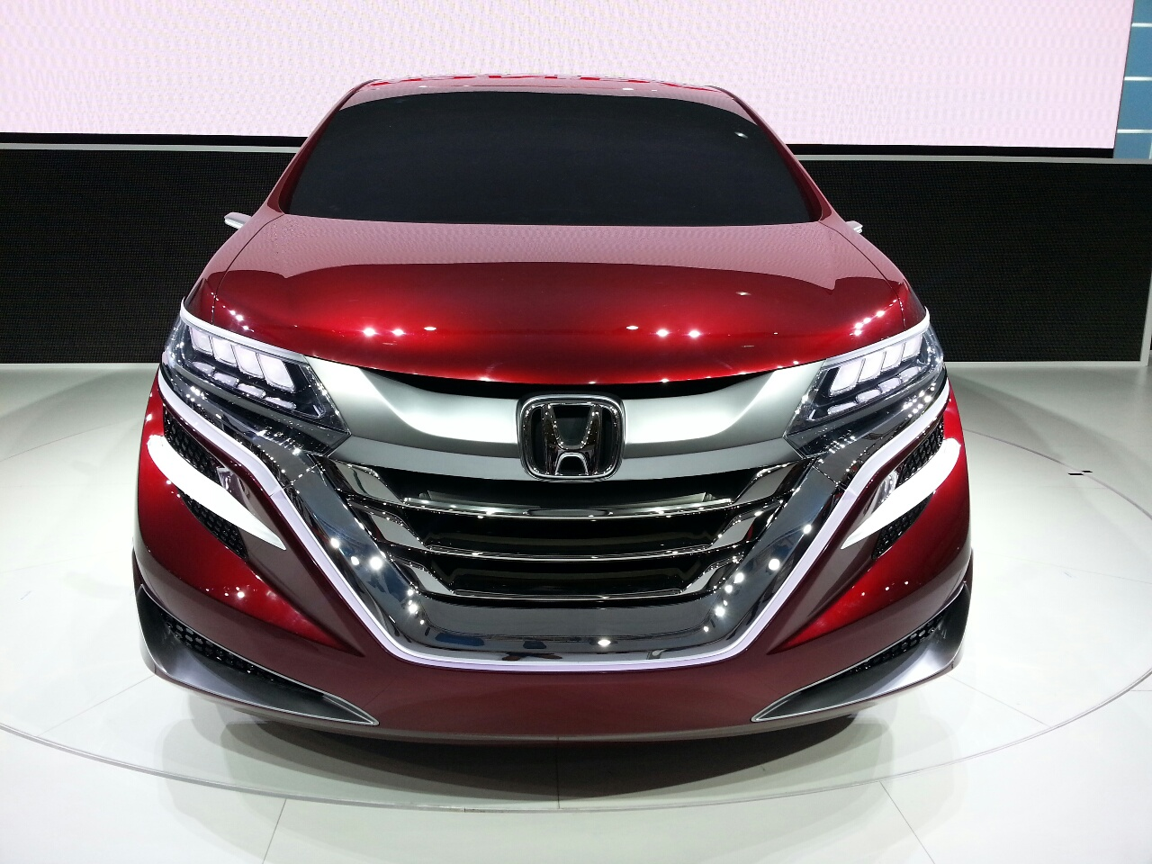 Auto Shanghai Live Honda Concept M previews future MPV Wallpaper For Ios