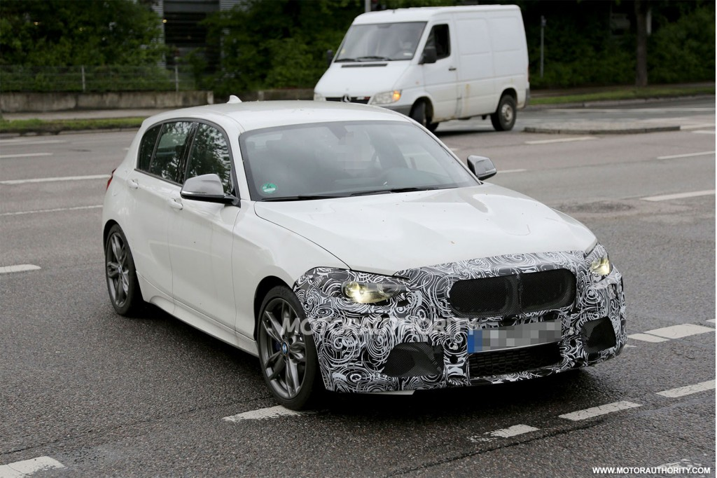 2014 BMW 1 Series Hatchback Facelift Spy Shots Wallpapers HD