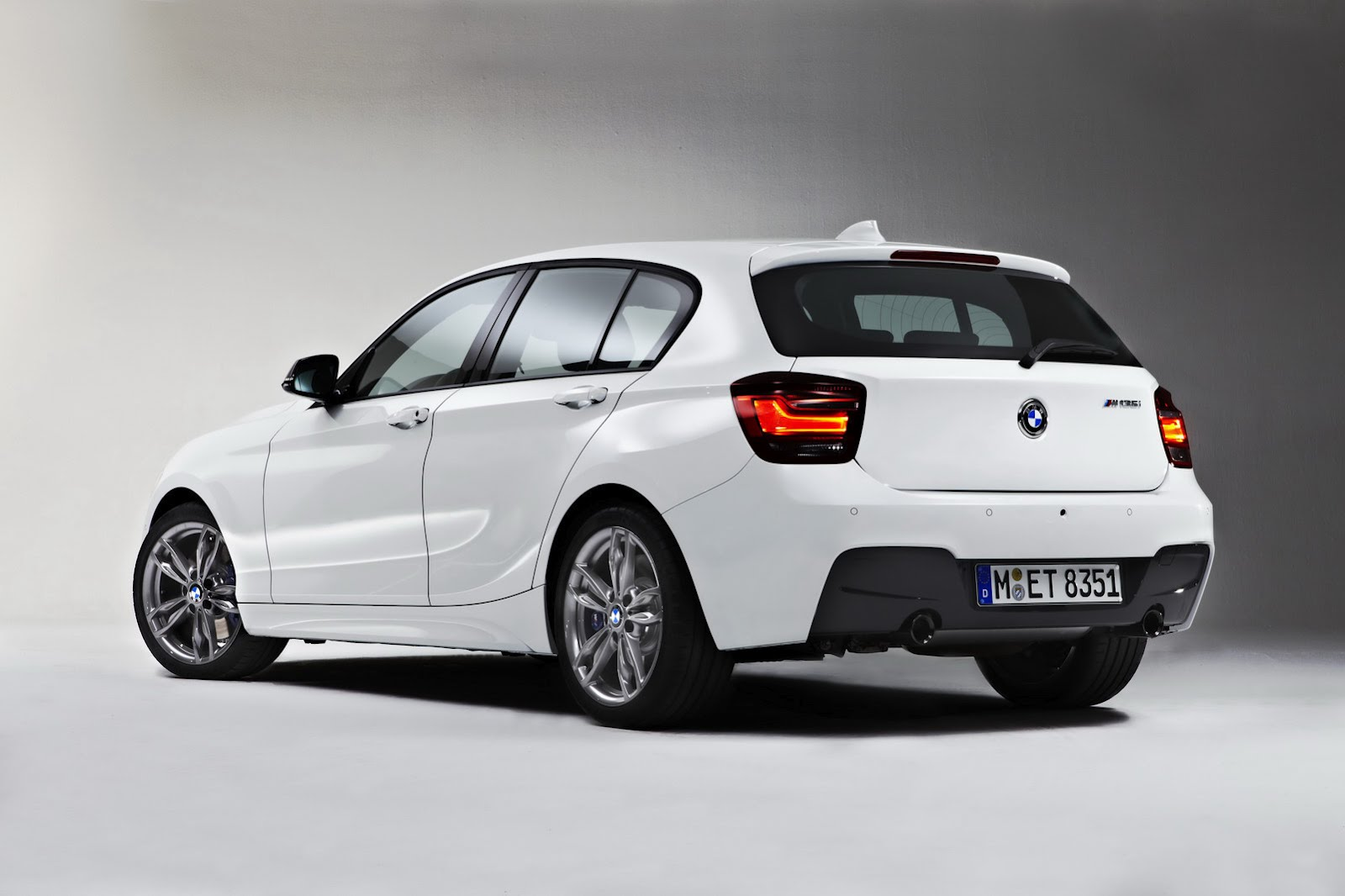New BMW 114i with 1.6L Turbo and M135i Presented in Five Door Wallpapers Download