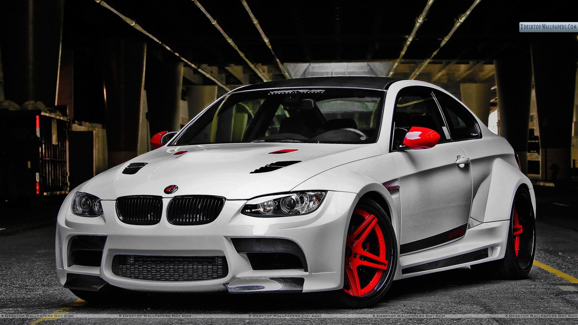 BMW M3 GTRS3  Side Front Pose Desktop Backgrounds