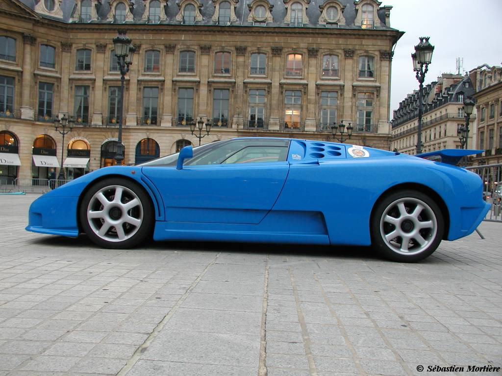 Bugatti EB110 Blue Side View of Color Cars Desktop Background