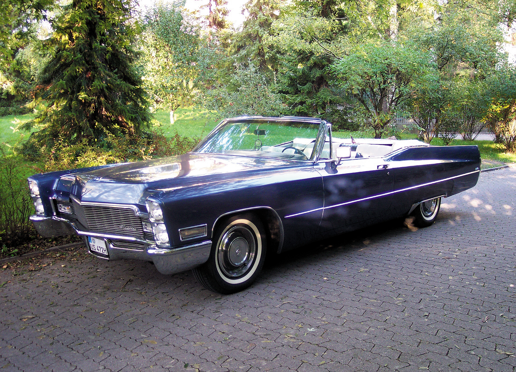 Cadillac DeVille Convertible 1968 Wallpaper For Background
