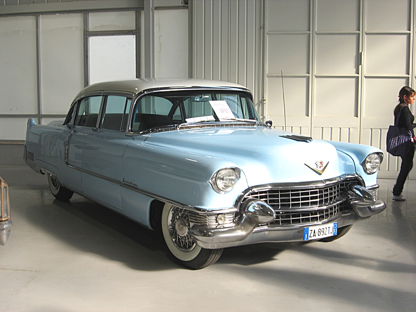 Cadillac Fleetwood 1954 Wallpaper For Background