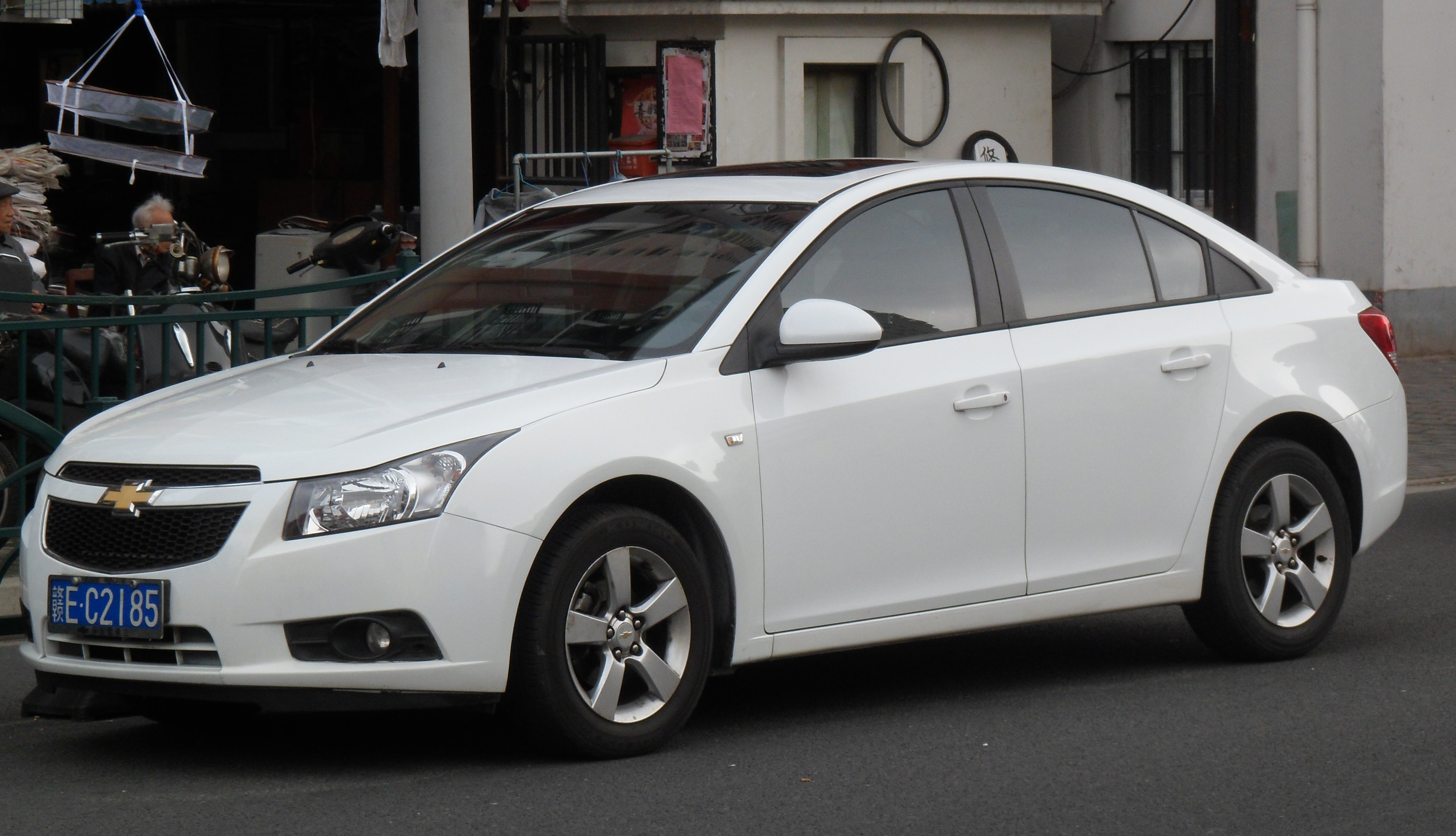 Chevrolet Cruze China 2012 Wallpaper For Ios