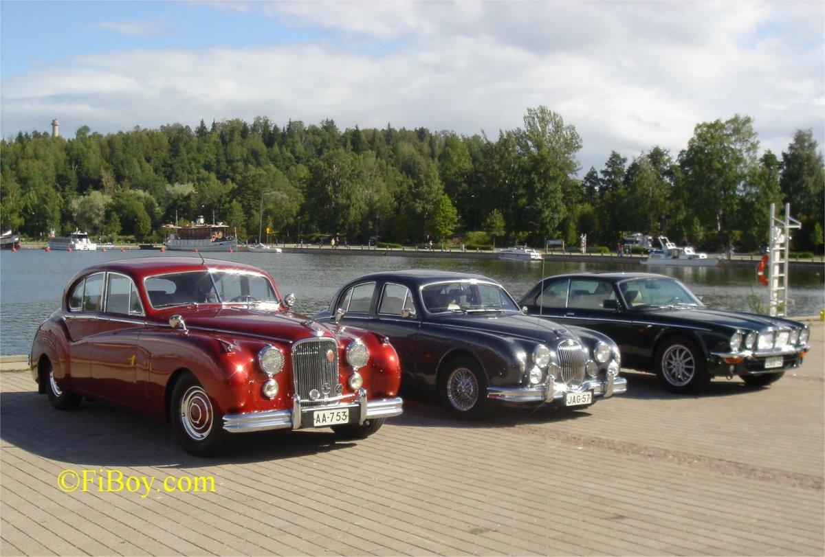 HJK Meeting With Jaguar Saloon Cars Wallpaper For Computer Wallpaper