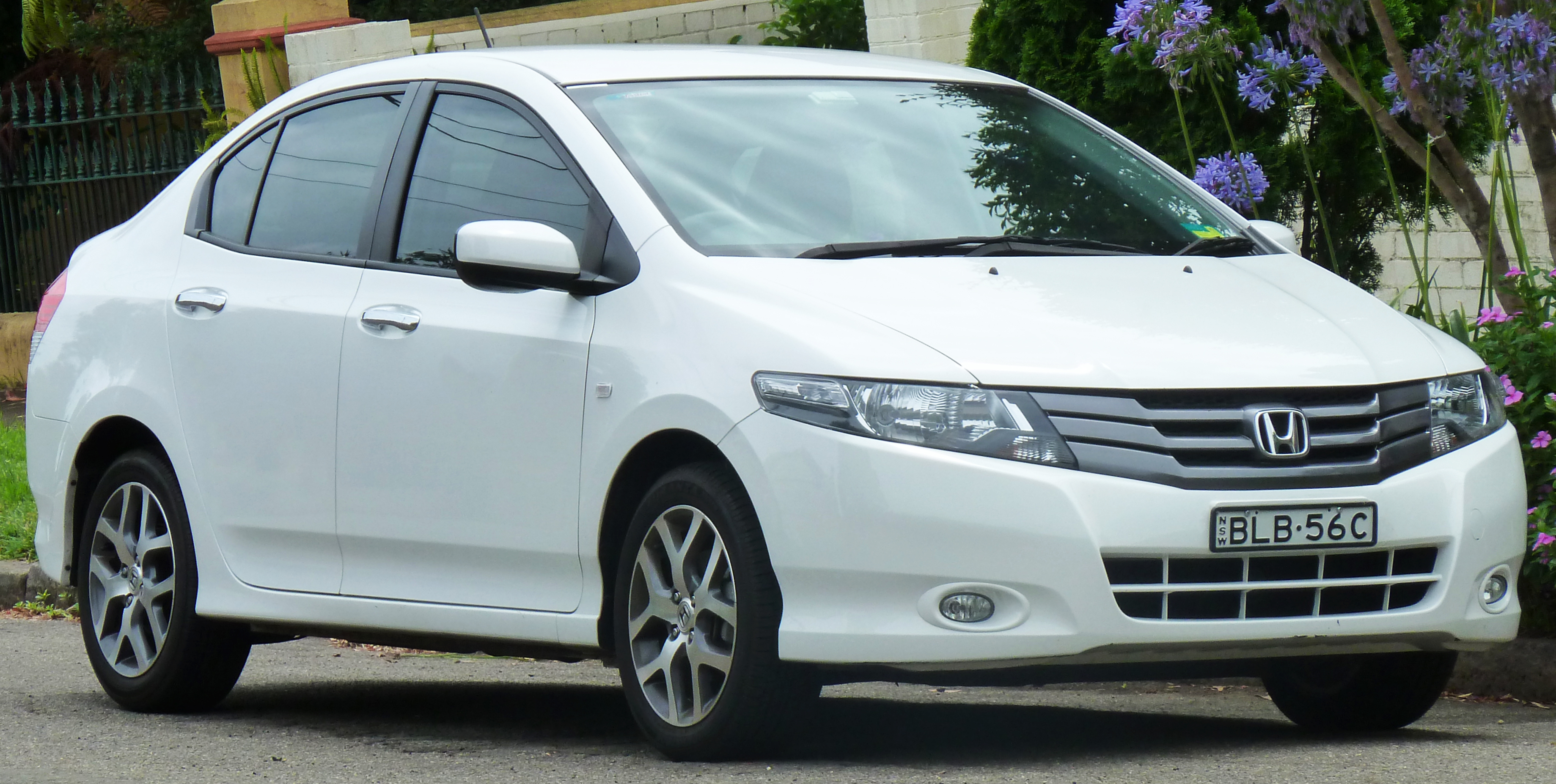 Honda City is Taken as a Symbol of Class and Luxury Wallpaper For Background