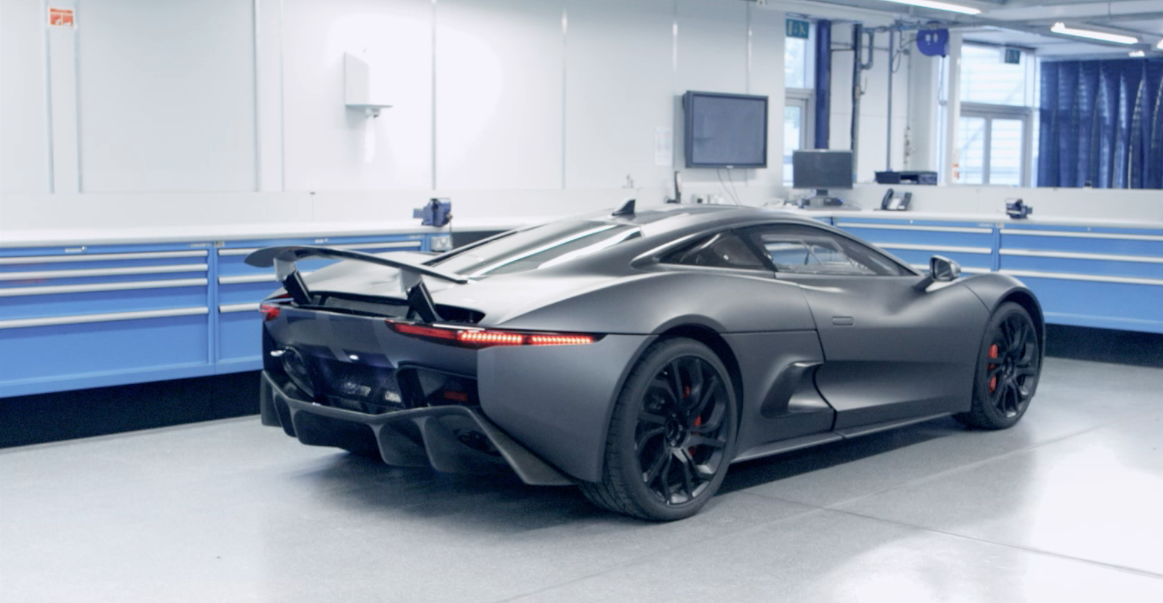 Jaguar C-X75 A Technological Pioneer Autosaur Wallpaper Download
