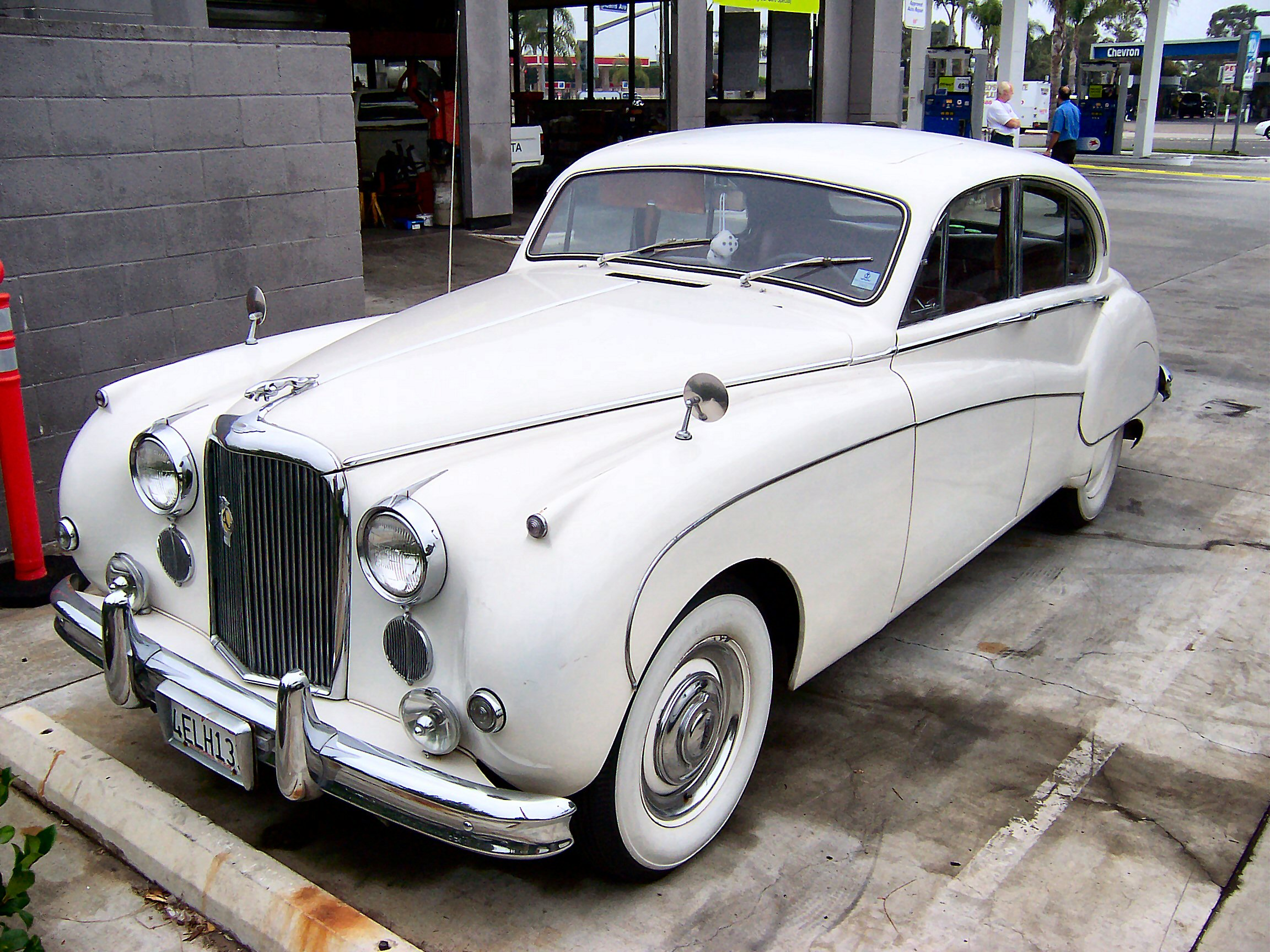 Jaguar Mark IX Wallpapers For Iphone