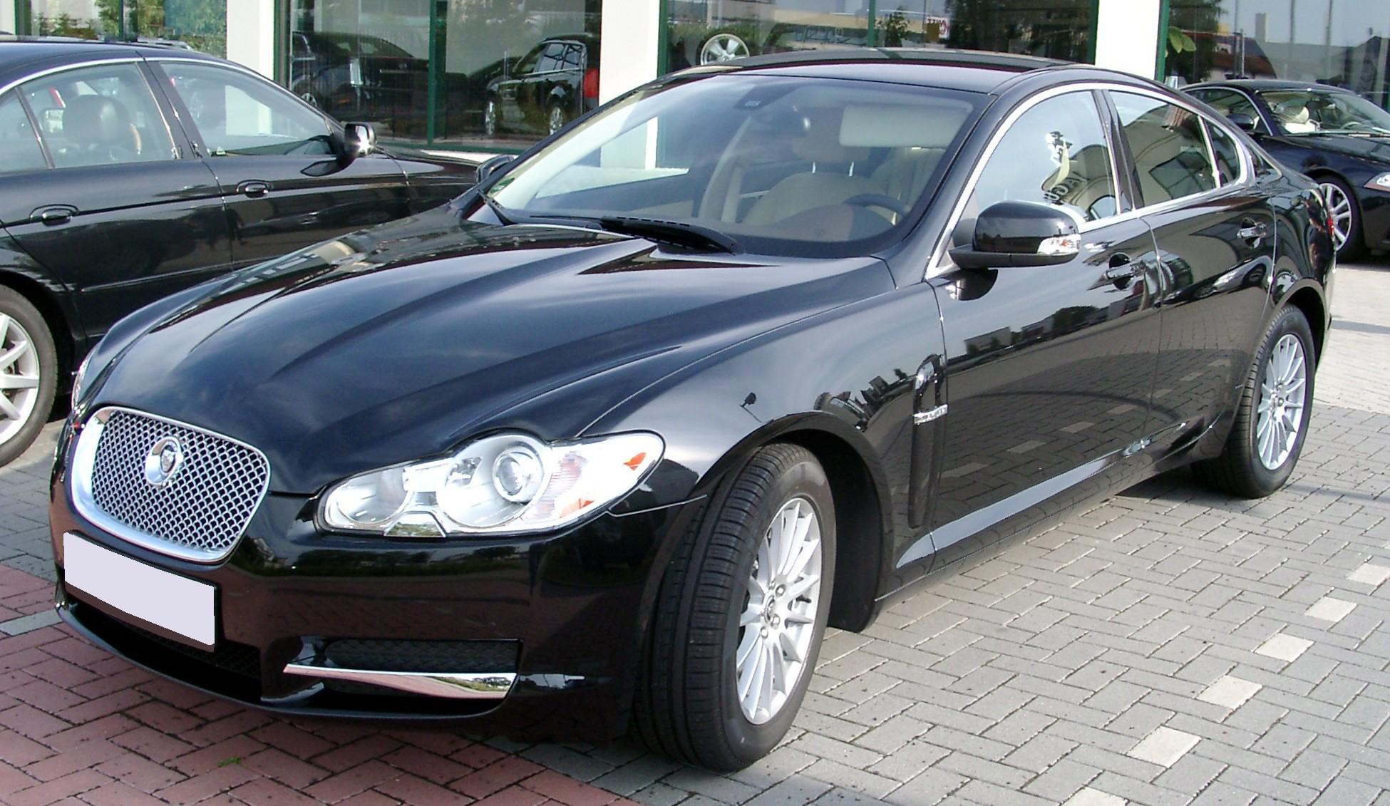 Jaguar XF Front Side Wallpaper Download