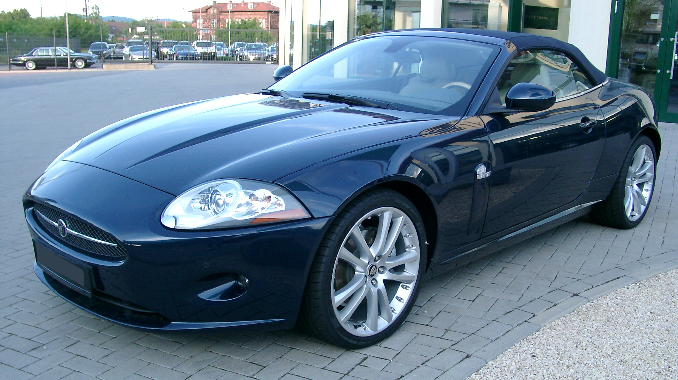 Jaguar XK8 Cabriolet Front HD Desktop Background