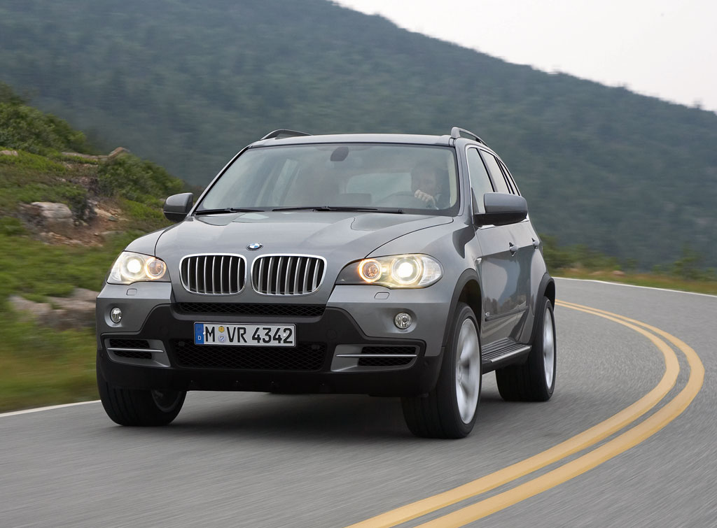 The New BMW X5 Replaces A Very Successful Model Desktop Backgrounds