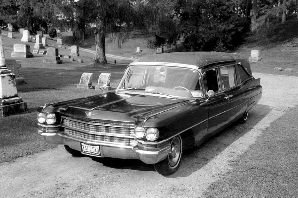 1963 Cadillac S&S Victoria Hearse Wallpaper For Ipad