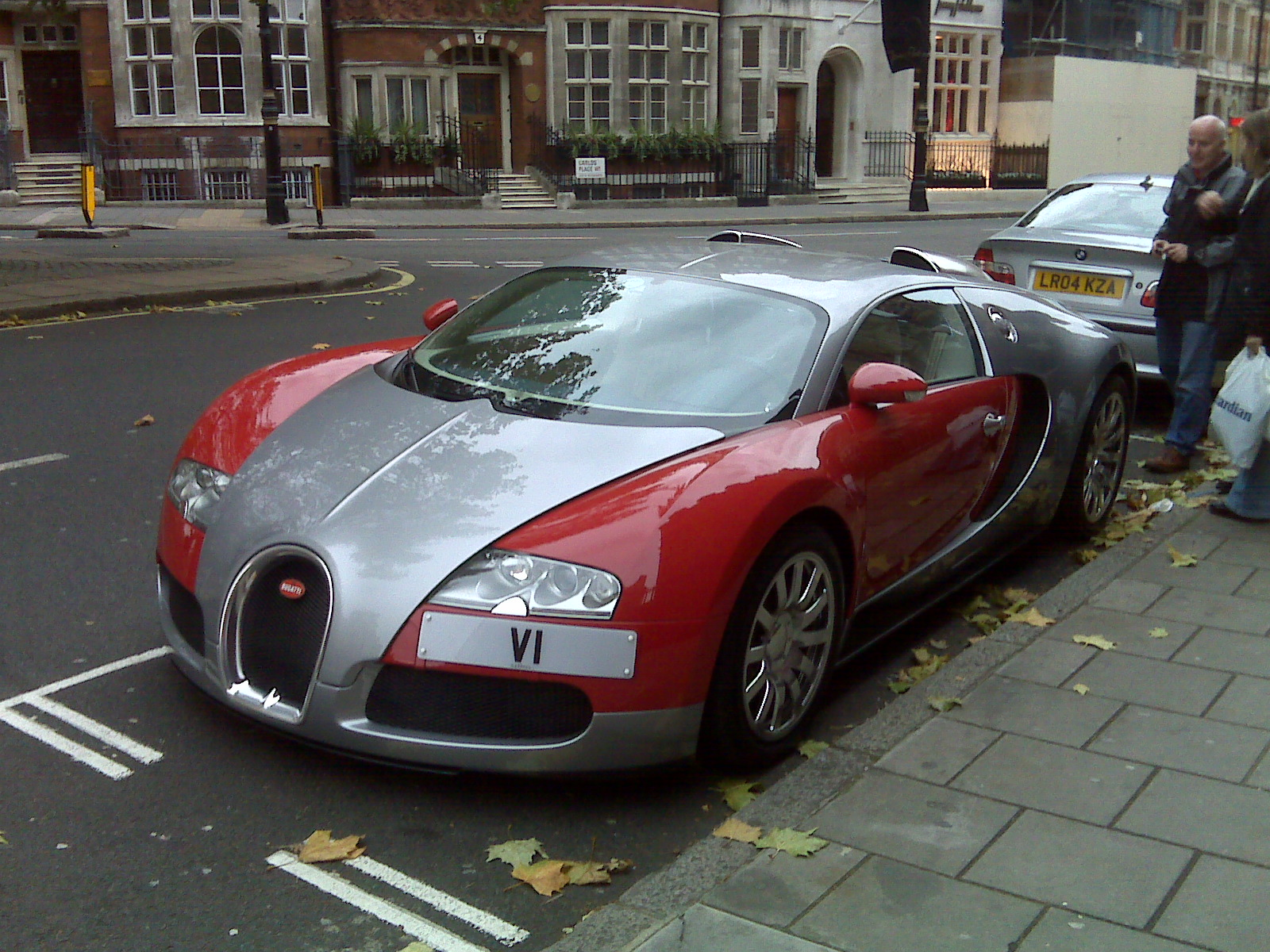Parked on London's Streets: Bugatti Veyron Wallpaper For Android
