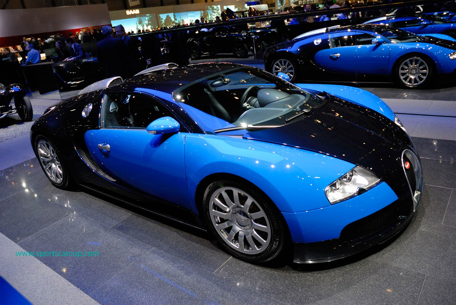 Picture of Bugatti Veyron at Autoshow Geneva Wallpaper Desktop Download