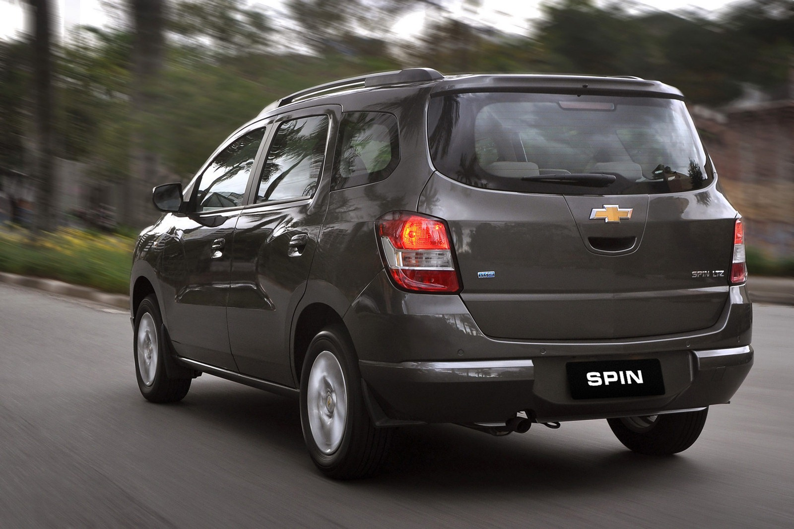 Chevrolet Spin Mpv Launched Photo Gallery Wallpapers For Desktop
