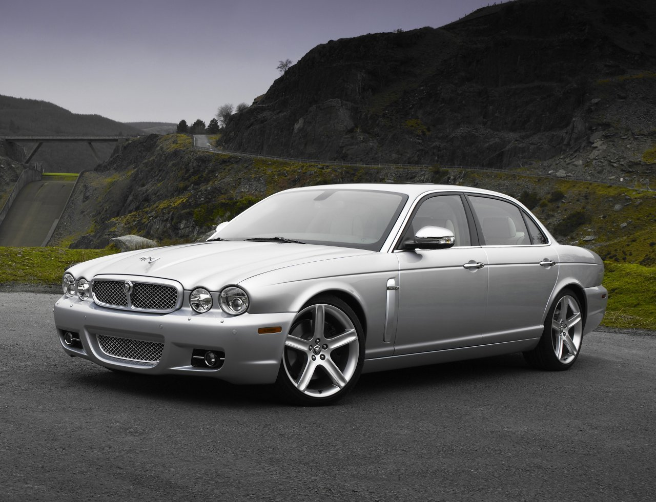 Jaguar XJ New Car Specifications  Wallpapers Background