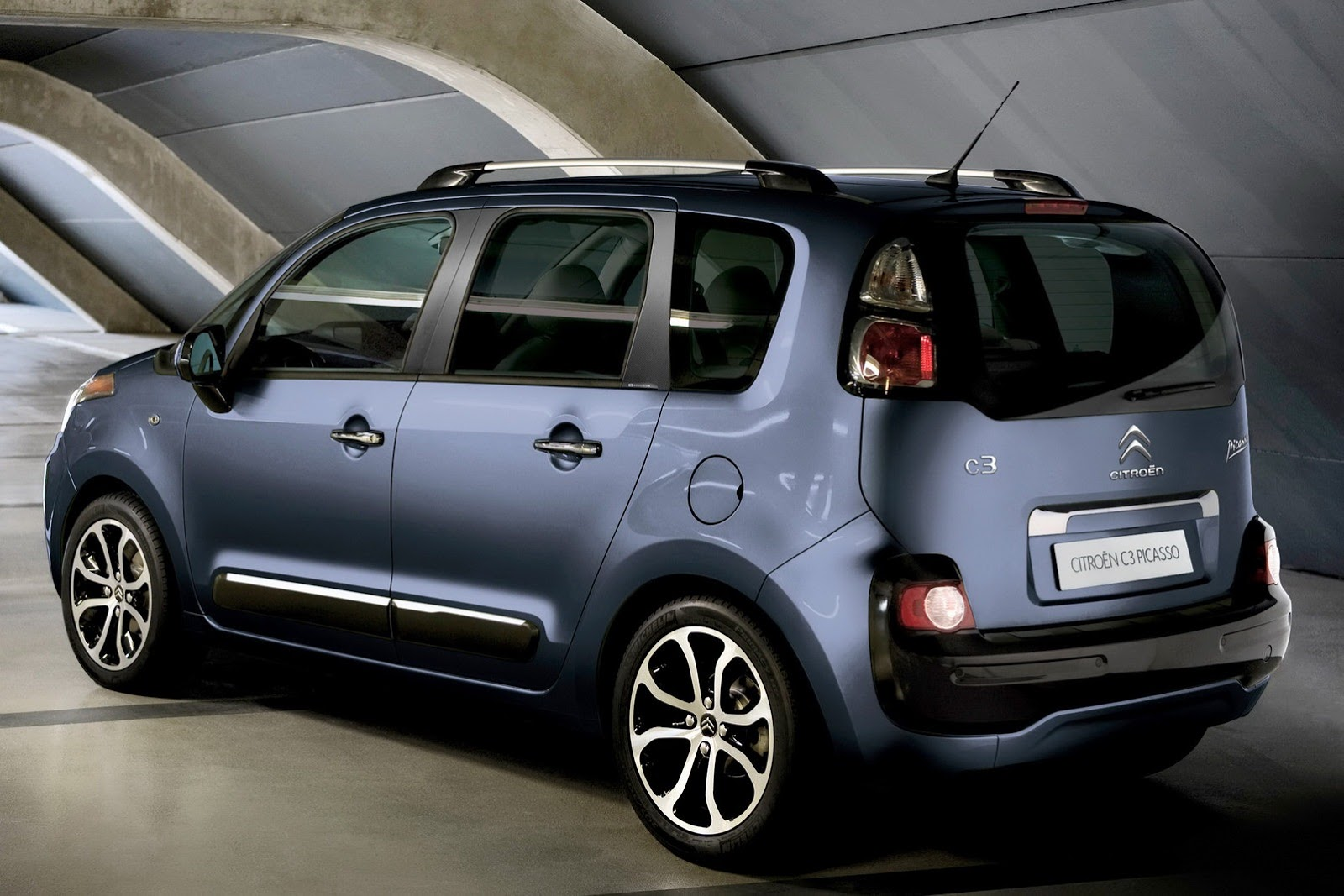 Mildly Refreshed Citroen C3 Picasso Gets Uk Pricing Photo Gallery Desktop Backgrounds