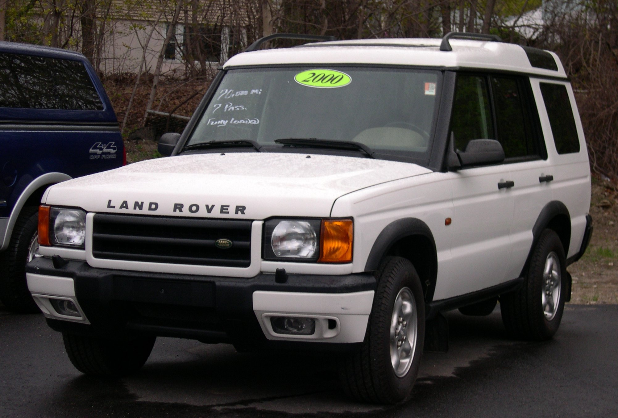 Beschrijving 2000 Land Rover Discovery white photos Pose Desktop Backgrounds