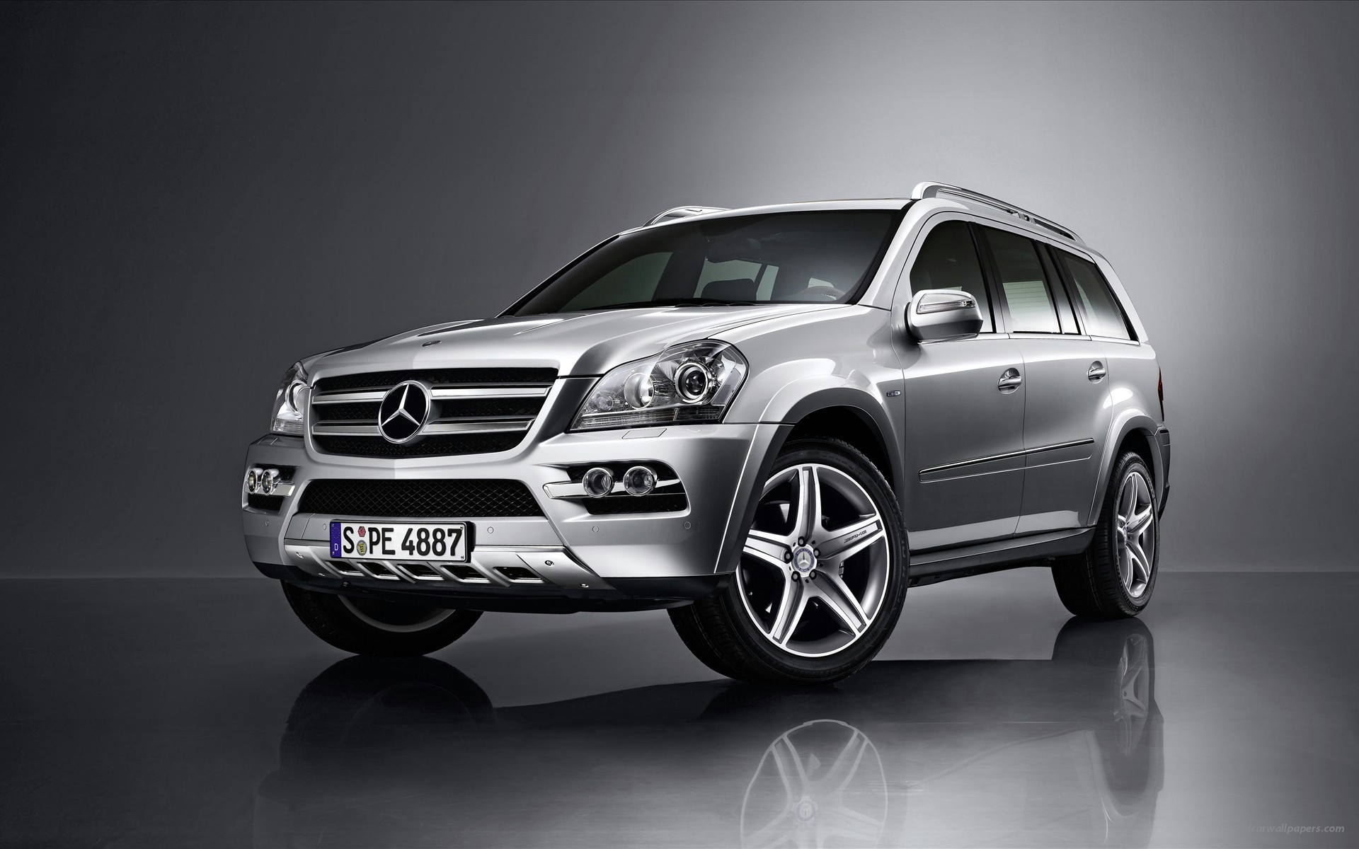 Mercedes Benz SUV wide Unlimited High Resolution Desktop Backgrounds