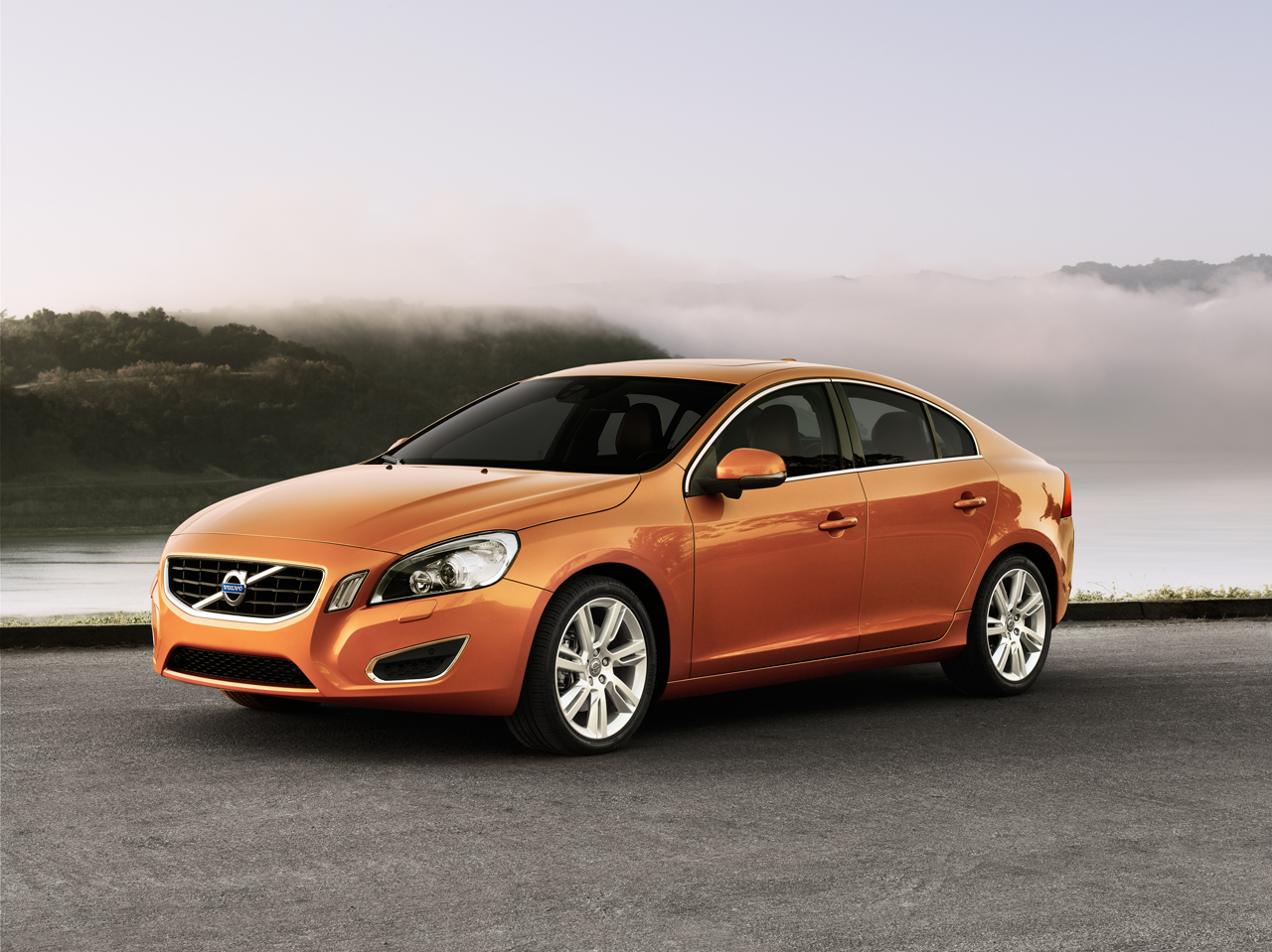 volvo S60 has released  Desktop Backgrounds