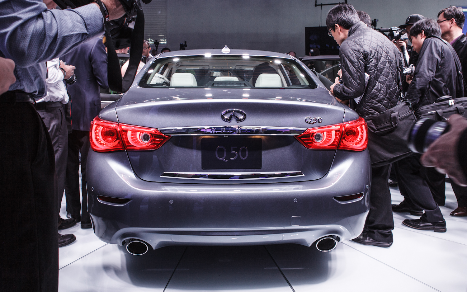 2014 Infiniti Q50 rear end Photo Gallery Wallpapers HD
