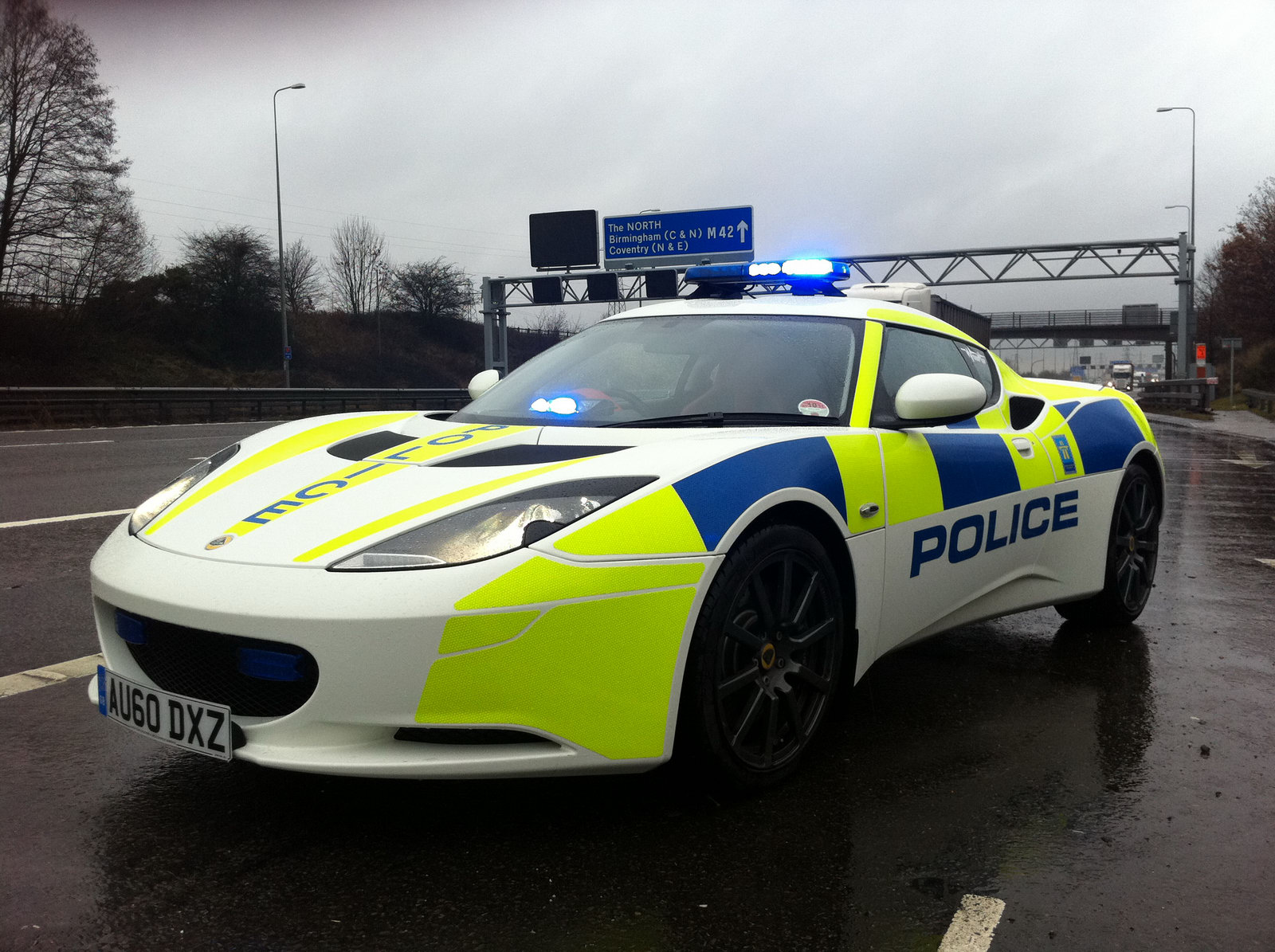 Carscoop Lotus Evora Tries Out Police Uniform Wallpapers HD